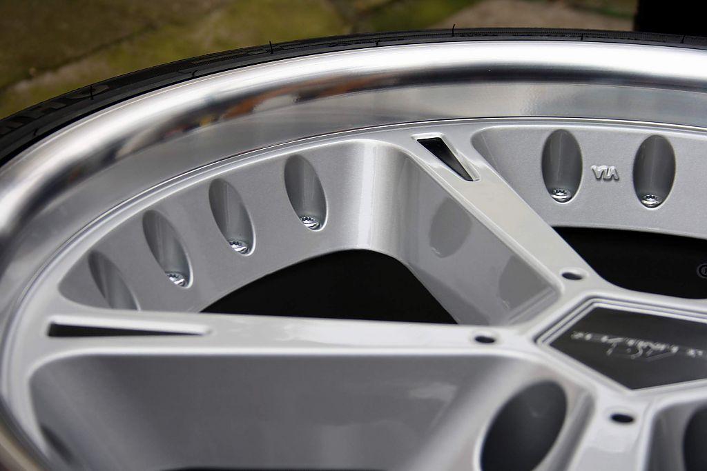 Shadowline 180 S E39 530i Touring 5er Bmw E39 Quot Touring Quot Tuning Fotos Bilder Stories